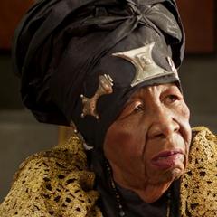 Anciana de la Tribumercante en <a href=