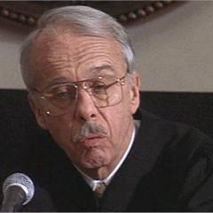 Juez Garson Deeds en <a href=