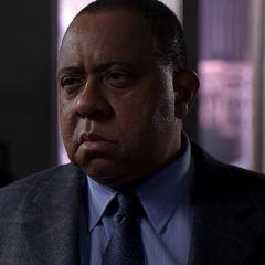 Detective Bryan Fuller también en <a href=