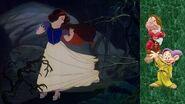 "Momento Disney ""Blancanieves Huye Al Bosque"""