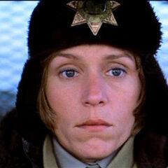 Marge Gunderson en el redoblaje de Roitman Group de <a href=