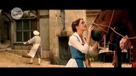 Momento La bella y la bestia (2017) - Bella - Disney Channel Latinoamérica