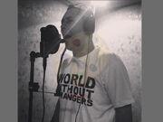Kavier cantando