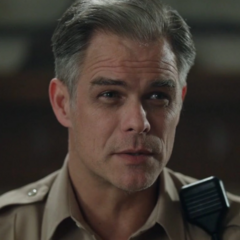 Alguacil Tom Keller en <a class=
