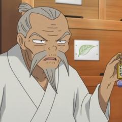 Abuelo Higurashi (2da voz) en <a href=