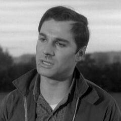 Buz Murdock (George Maharis) en <a href=