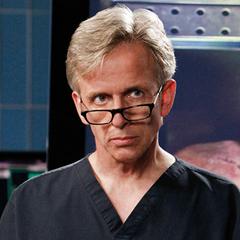 Dr. Sid Hammerback (1ª voz) en <a href=