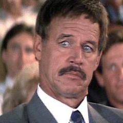 Capitán Schroeder en el doblaje original de <a href=