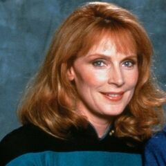 Dra. Beverly Crusher (<a href=