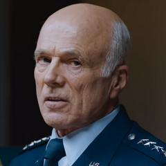 Coronel Saul Tigh (<a href=