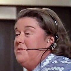 Hellen (Peggy Rea) en <a href=