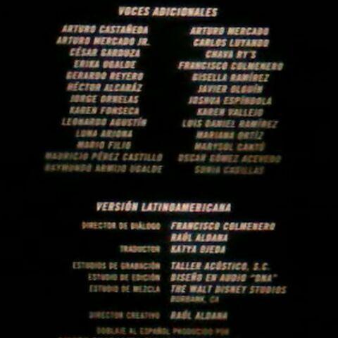 Créditos del cine (voces adicionales y créditos técnicos).