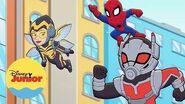 La Malvada Mittens Aventuras de Súper Héroes de Marvel