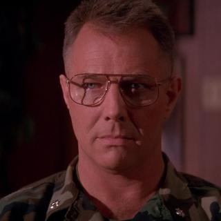 Coronel Markinson en el redoblaje de <a href=