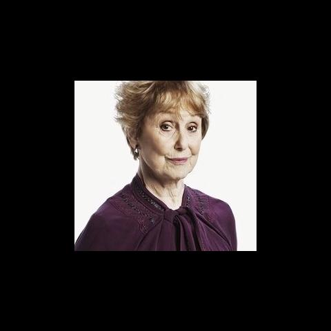 Martha Louise Hudson (Una Stubbs) en <a href=