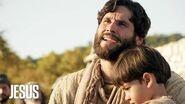 Jesús Jesús les da a sus apóstoles una nueva lección de amor y unión