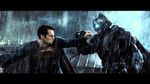 BATMAN VS SUPERMAN EL ORIGEN DE LA JUSTICIA - Gladiador 30 - Oficial Warner Bros