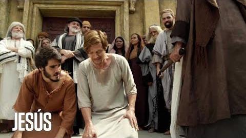 Jesús Natanael y Santiago son azotados por ser seguidores de Jesús