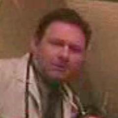 Médico (Kevin Murray) también en <a href=