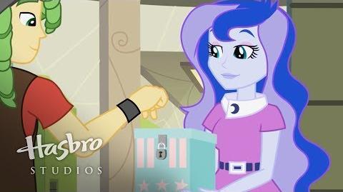 My Little Pony Chicas de Equestria - Conoce a Luna