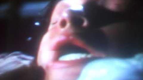 Jeepers Creepers Muestra de Doblaje El Creeper se lleva a Darry Elsa Covian como Trish Jenner