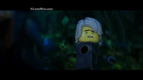 """LEGO® NINJAGO® - Lloyd 15"""" - Oficial Warner Bros"""