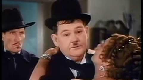 Asesores Matrimoniales (1935) - COLOR - LATINO - El Gordo y EL Flaco