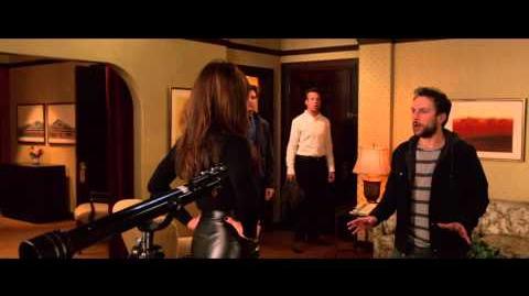 """QUIERO MATAR A MI JEFE 2 - Paseo Salvaje 20"""" - Oficial Warner Bros"""