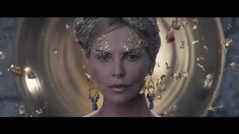 El Cazador y La Reina del Hielo Vídeo Clip - Ravenna resucitada (Latino)