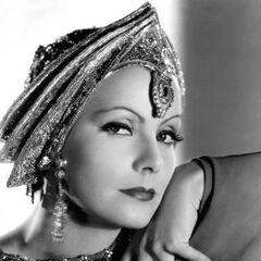 Mata Hari (Greta Garbo) en <a href=