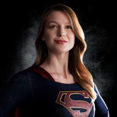 <b>Supergirl</b> (Melissa Benoist) en la serie homónima <a href=