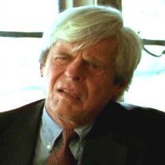 Dr. Henry Lipkin en el redoblaje argentino <a href=