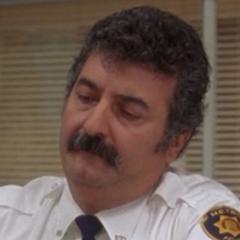 Oficial O'Kelly también en <a href=