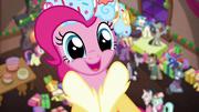 MLP-PinkiesPresent2