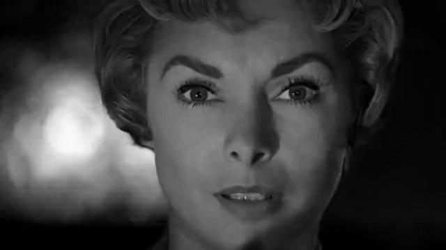 Psycho (1960) Por la carretera ( Español Latino)