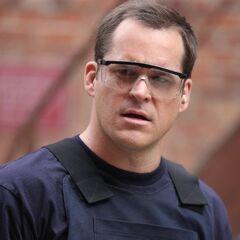 Detective Teddy Wells en <a href=