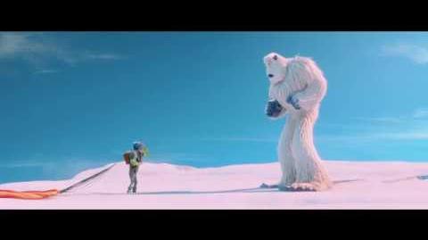 """""""PiePequeño"""". Con Sebastián Yatra en la voz de Migo. Oficial Warner Bros"""