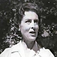 Martha Brown (Ann Doran) en <a href=