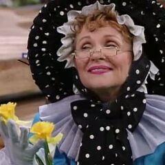 Mamá Gansa (Barbara Lowin) en <a href=
