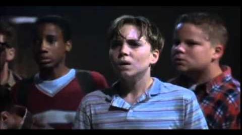 It Eso (1990) Escena de Enfrentamiento