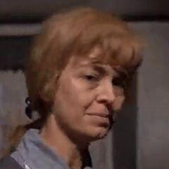 Sra. Bucket (Diana Sowle) en <a href=