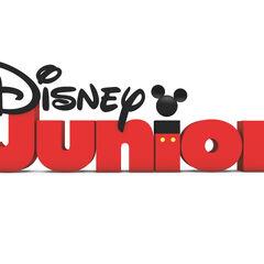 Es la locutora del canal Disney Junior Latinoamérica.
