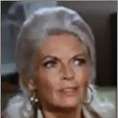 Sra. McKay (Dorothy Green) en <a href=