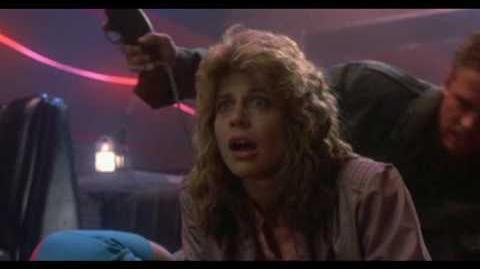 """Terminator (""""Discoteque Technoir"""" Doblaje original español latino 1984)Sarah Connor-0"""