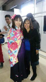 Isabel Martiñón con Ai Maeda voz en japonés de Mimi Tachikawa