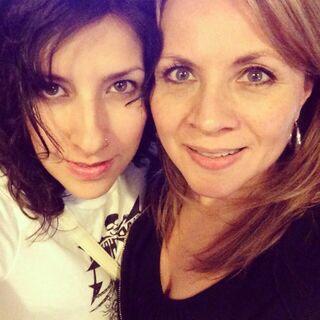 Carla Castañeda (Twilight Sparkle) y Maggie Vera (Fluttershy). (01/07/13)