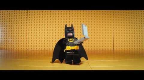 LEGO BATMAN- LA PELÍCULA - Dieta para ser más fuertes - Oficial Warner Bros