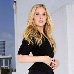 Calleigh Duquense (2ª voz) en la serie <a href=