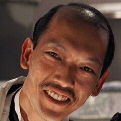Chen (Chau Kah Joo) en el redoblaje de <a href=