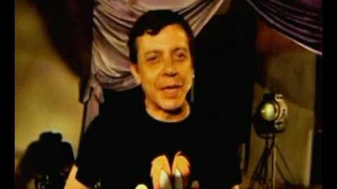 Humberto Solórzano saluda a sus fans